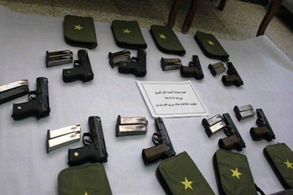 حرس الحدود الايراني يضبط شحنة سلاح مهربة غرب البلاد