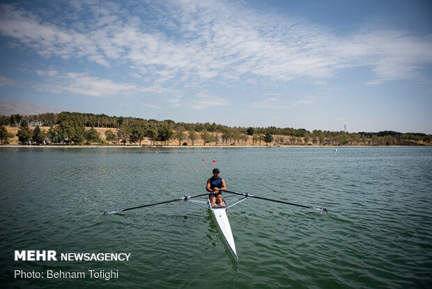 National rowing tournament held in Tehran
