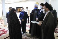 خانواده شهدا چشم و چراغ ملت ایران هستند