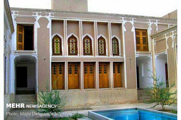 بازدید خبرنگاران یزد از قنات ۸۰۰ ساله بهاء الدین آباد اردکان