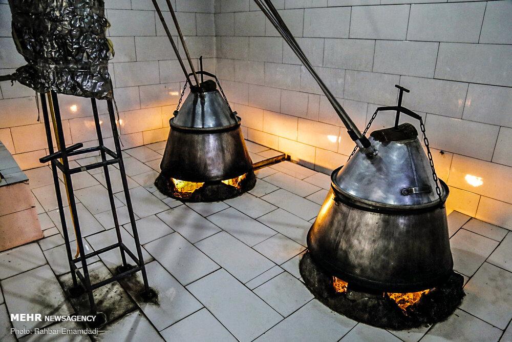 Producing herbal water in Hormozgan