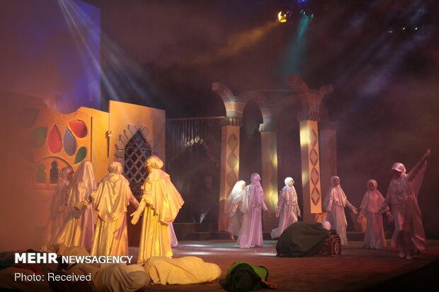 Suriye'de büyük ilgi gören tiyatro oyunu