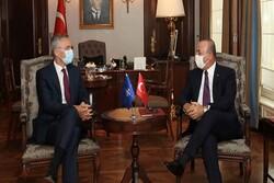 Çavuşoğlu Ermenistan'ı sivilleri öldürmekle suçladı