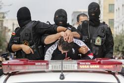 مواد فروشان محله بی سیم دستگیر شدند/هم شرار هم توزیع شیشه وهروئین