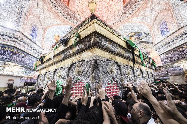 Irak'ta İmam Hüseyin (a.s) için matem töreni düzenleniyor