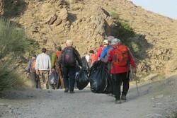 پاکسازی منطقه تفریحی دره ایله از ۱۵۰ کیلو زباله