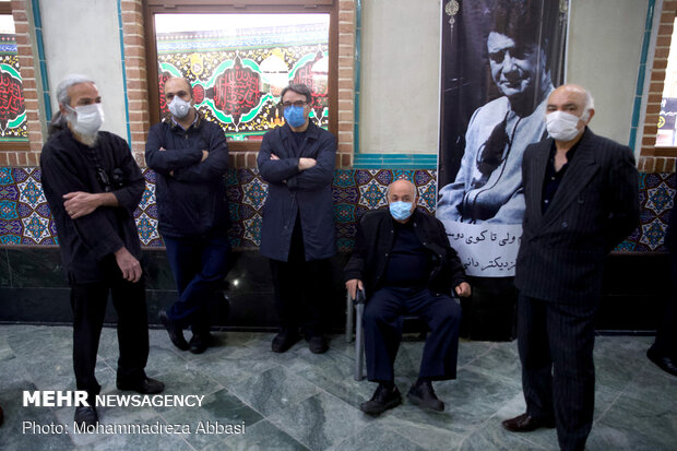 Paying tribute to Iran's legendary maestro