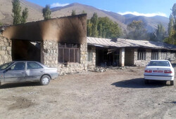 مدرسه قدیمی روستای بدون دانش آموز گیلوان دچار حریق شد