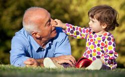 سن امید به زندگی در استان قزوین ۷۷ سال است