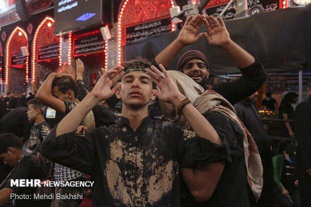 زائرین اربعین کا سید الشہداء اور حضرت ابو الفضل العباس (ع) کو الوداعی سلام
