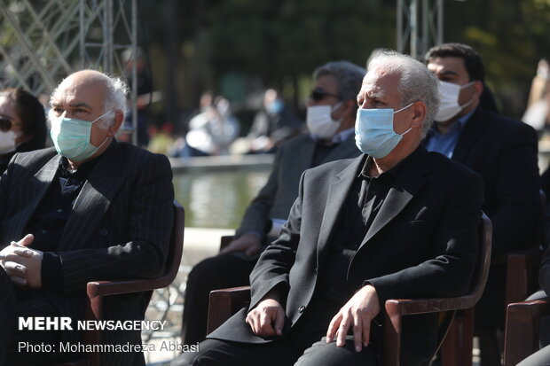 Funeral procession of classic singer, composer Shajarian