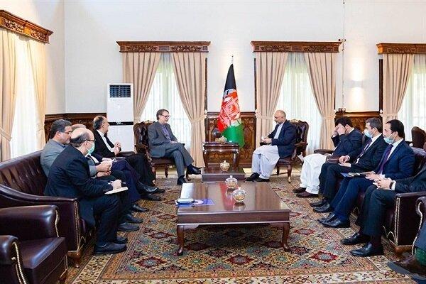 ايران تؤكد على ضرورة تنمية العلاقات وتطوير التعاون مع افغانستان