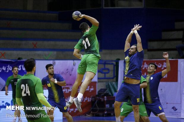 پیروزی قاطع کازرون برابر دشتستان / منجیری: به فکر قهرمانی هستیم