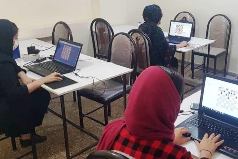مسابقات بین المللی جام شطرنج کارون آنلاین برگزار میشوند