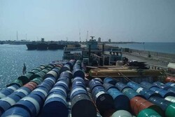 113,000 liters of smuggled fuel seized in S. Iran