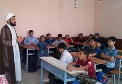 طلاب معارف اسلامی را با زبان ساده به دانشآموزان منتقل کنند