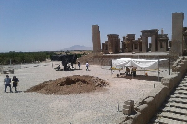 Another survey on subterranean ducts ends in Persepolis