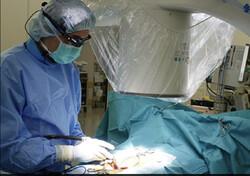 نمایشگری که عمل جراحی ستون فقرات را ساده تر می کند