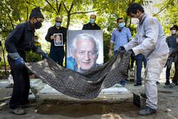 مراسم خاکسپاری مرحوم اکبر عالمی