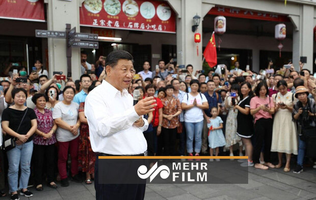VIDEO: Pres. Xi without mask among people