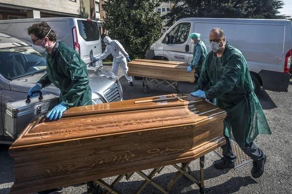 COVID-19 death toll tops 1.1 million worldwide