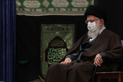 قائد الثورة يقيم مجلسا للعزاء بمصاب النبي الاعظم وسبطه (عليهما السلام)