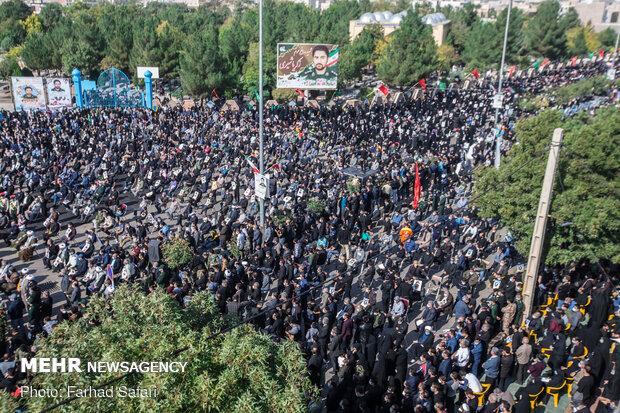 مراسم خاکسپاری شهید زکریا شیری در اقبالیه قزوین