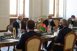 آغاز گفتگوی ظریف و عبدالله/ به گفتگوهای بینالافغانی کمک میکنیم