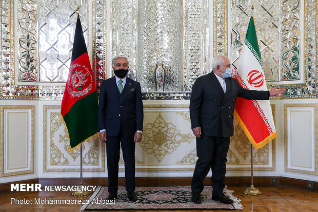 Zarif meeting with Abdullah in Tehran