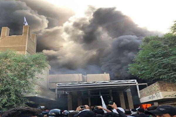 حزب بارزاني يستغل إحراق مقرّه لتأجيج الشارع الكردي