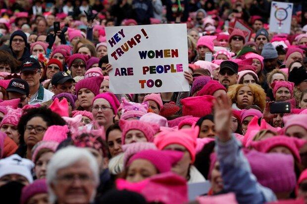 تظاهرات نسائية في الولايات المتحدة.. والهتاف: ترامب غبي!
