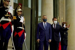 الكاظمي في فرنسا لتطویر العلاقات الثنائیة و طلب المساعدات