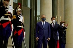 توافقات الکاظمی با مکرون در کاخ الیزه/قدردانی الکاظمی از طرح ابتکاری فرانسه!