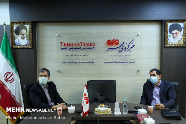 گفتگو با اعضای انجمن تولیدکنندگان و صادرکنندگان محصولات بیوتکنولوژی پزشکی ایران