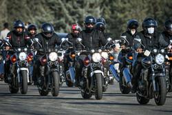Tahran'da Polis Güçleri Haftası münasebetiyle motosiklet yarışı