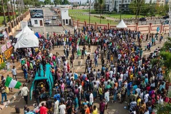 پلیس نیجریه به سوی مردم معترض شلیک کرد