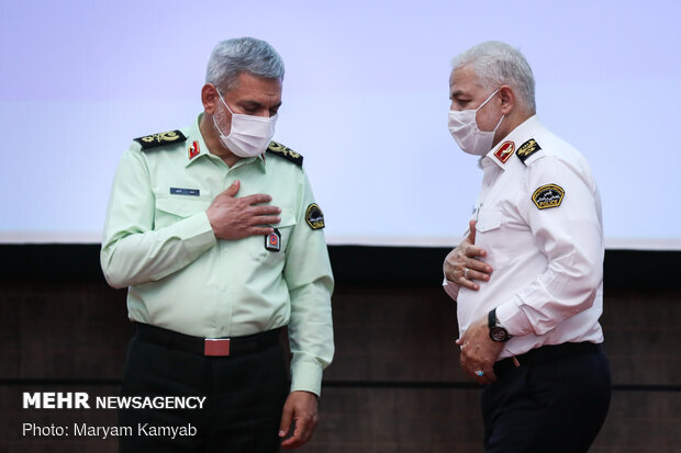 سردار کمال هادیانفر رئیس پلیس راهور ناجا و سردار محمد شرفی جانشین معاون هماهنگ کننده ناجا