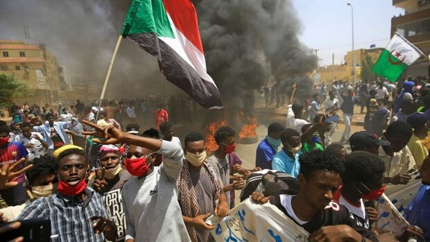إجراءات أمنية غير مسبوقة تزامنا مع مظاهرات تدعو لإسقاط الحكومة