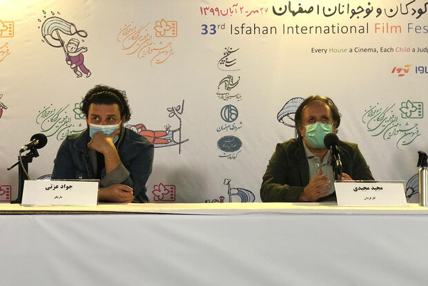 فراخوان مجیدی برای کمک به دانشآموزان محروم/ مردم پای کار بیایند