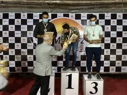 مسابقات اتومبیلرانی اسلالوم در قشم برگزار شد