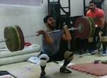 وداع قهرمان نوجوانان وزنه برداری آسیا با میادین ورزشی/انتقاد از مسئولین