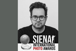 Iran photo artist wins top Award at Siena Intl Photo Award