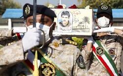 پیکر شهید تازه تفحص شده گیلانی در رشت تشییع شد