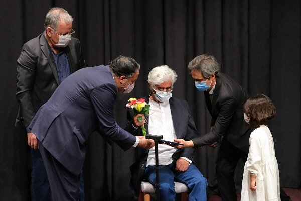 Ceremony to honor two Iranian artists held at 33rd ICFF