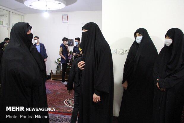 دیدار تشکل بانوان شهدای انقلاب اسلامی با خانواده شهید محمدی