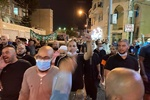تداوم اعتراضات علیه ماکرون/ تصاویر رئیس جمهور فرانسه به آتش کشیده شد
