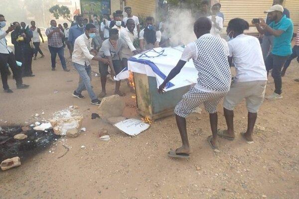 حزب الترابي السوداني يدعو إلى النزول للشارع لإسقاط التطبيع مع الكيان الصهيوني