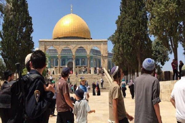 """المتطرف """"غليك"""" يترأس اقتحام عشرات المستوطنين للمسجد الأقصى"""