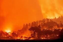 إجلاء 60 ألف شخص في كاليفورنيا جراء الحرائق
