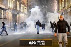 مردم ایتالیا در اعتراض به محدودیتهای کرونایی به خیابانها آمدند
